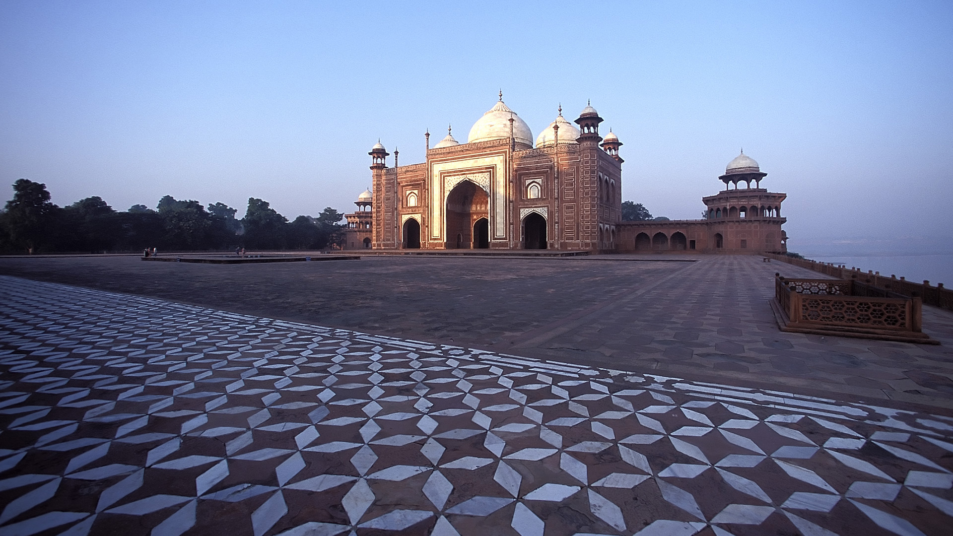 Persian Gardens of Mughal India & Kashimir