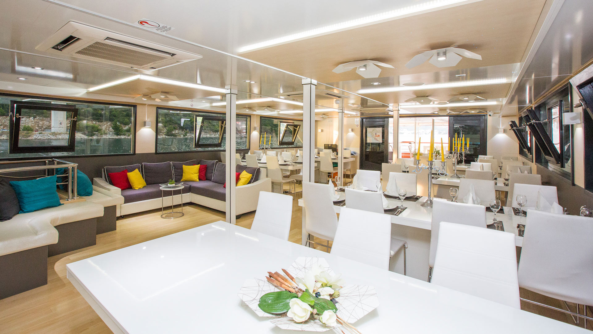 MS Prestige - Small Cruise Ship - Dining area