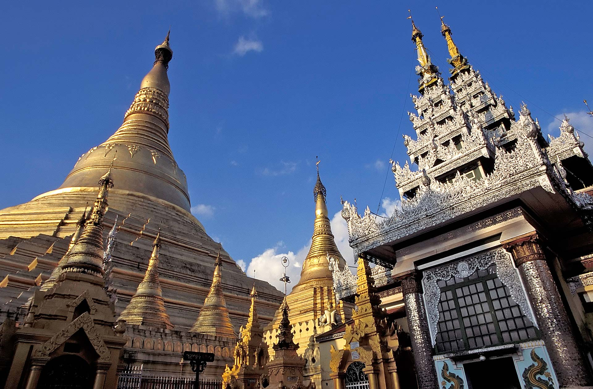 Main Stupa at the Shwedagon Pagoda, Yangon (Rangoon) , Myanmar