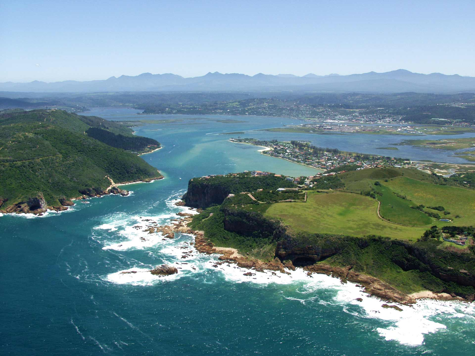 Lagoon of Knysna with its aquamarine colored water.