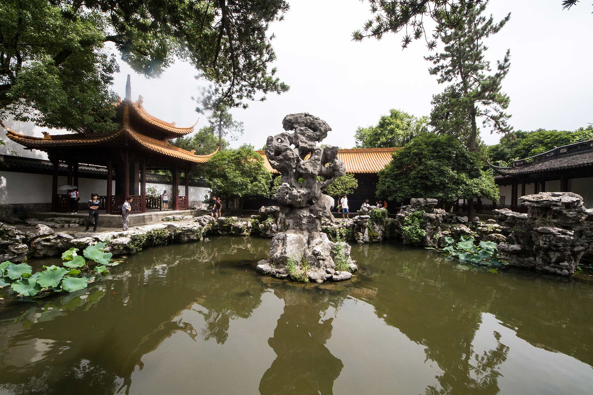Typical Jiangnan courtyard of the Wenlan Pavilion by the West Lake, Hangzhou, Zhejiang, China