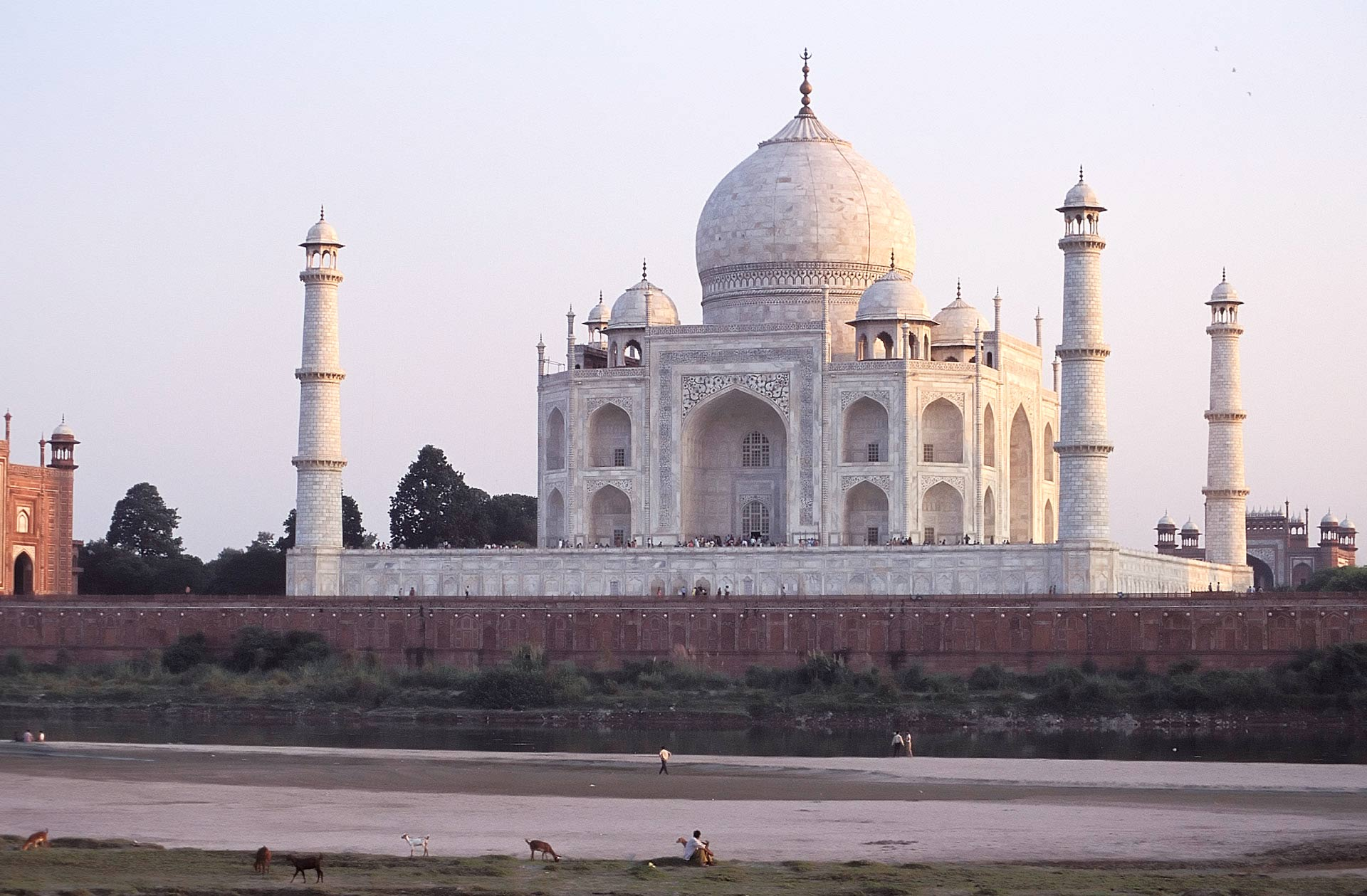 Taj Mahal & the Yamuna river at sunset, Agra, Uttar Pradesh, India