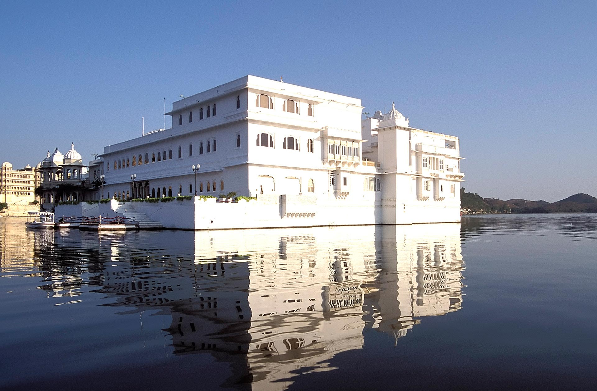 Lake Palace Hotel on Pichola Lake, Udaipur, Rajasthan, India